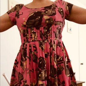 Fit and flare 50s looking dress w pockets!